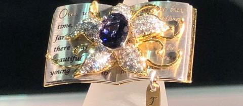 校友张宇莹获新加坡国际珠宝设计明星奖第一名