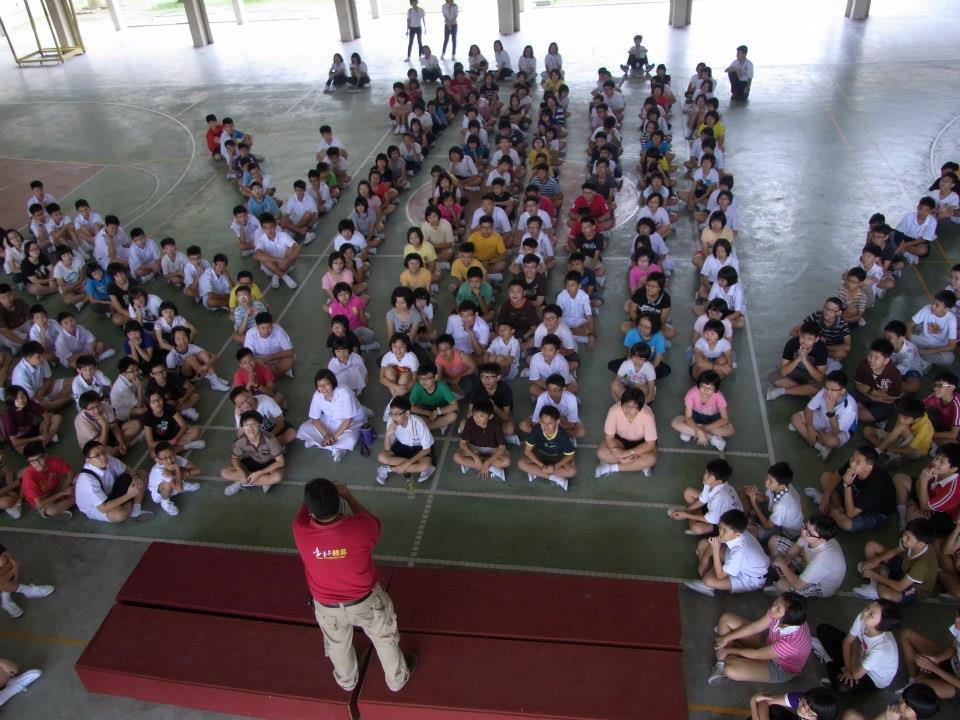 初一新生入学学校黑板报欢迎词